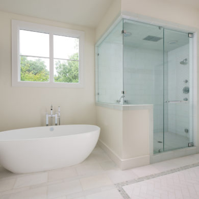 17GLS029WebsiteUpdates_DLP_6461_ShowerDoor